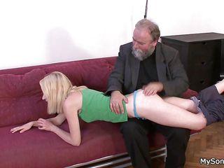 Немецкое порно зрелых в чулках